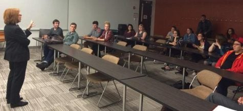 Ald. Michele Smith speaks to DePaul College Democrats