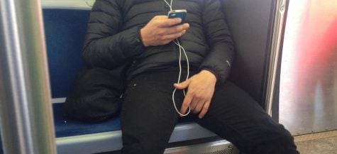 Sit to yourself: 'Manspreading' irks on the CTA