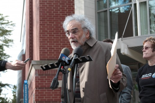 Northwestern University professor and past president of the Division of psychoanalysis in the American Psychological Association Dr. Frank Summers makes his case for why Dr. Gerald Koocher should be stripped of his deanship over the College of Science and Health at a press conference organized by Vincentians Against Torture, a new student group at DePaul, Thursday. (Megan Deppen / The DePaulia)
