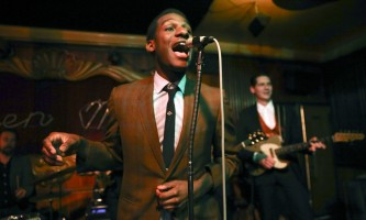 Leon Bridges performs at the Green Mill Jazz Club on April 29, 2015 in Chicago. The Texas-raised artist is set for a return Chicago engagement at the Vic Theatre. (Nuccio DiNuzzo/Chicago Tribune/TNS)