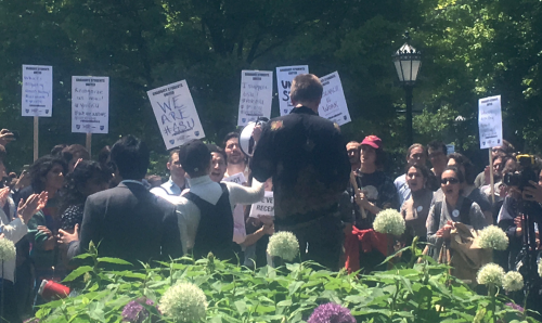 Students and faculty at the University of Chicago gathered on the university's main quad Thursday, May 25 to rally for support of Graduate Students United, a student worker organization seeking to unionize.