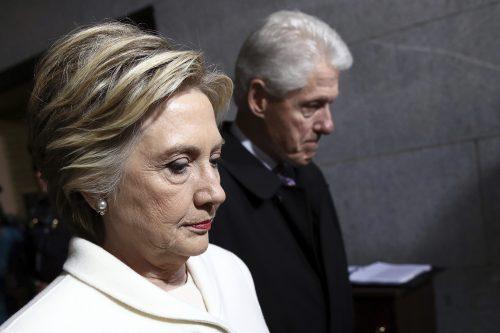 Donna Brazile Criticizes Clinton Camp In Campaign Memoir