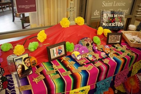 Ofrendas pop up around DePaul in honor of Day of the Dead