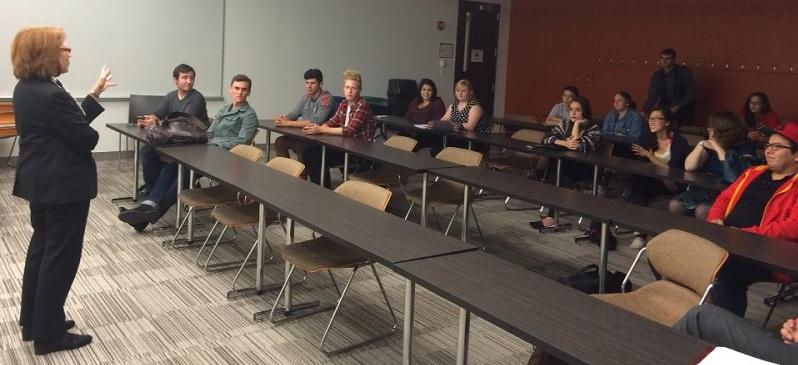 Ald. Michele Smith speaks to DePaul College Democrats Tuesday, Sept. 23. (Brenden Moore / The DePaulia)
