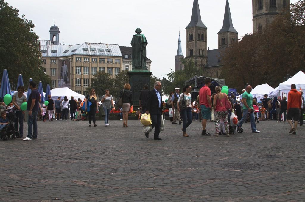 Münsterplatz is another popular meeting place for students. Located at the center of the Innenstadt (the inner city of Bonn), the looming statue of Beethoven (who was born in Bonn) looks out over crowds filtering in from the university, the Hauptbonhof (the central bus and train station), and other platzen within the Innenstadt. (Megan Deppen / The DePaulia)