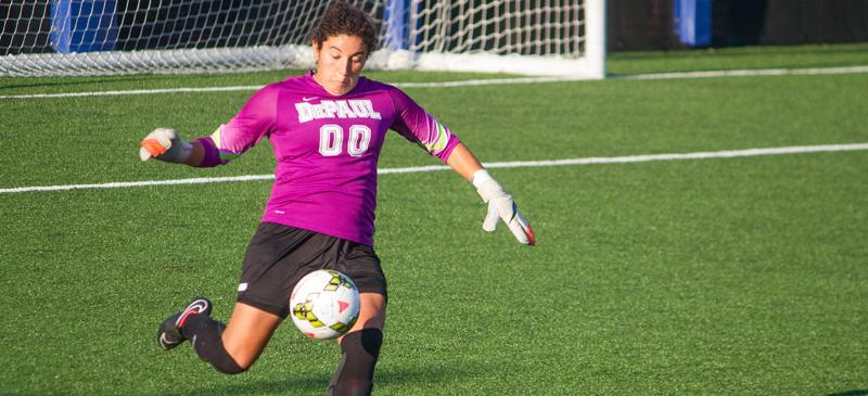 DePaul junior goalkeeper Alex Godinez won the Big East Goalkeeper of the Year award in 2013. (Grant Myatt / The DePaulia)