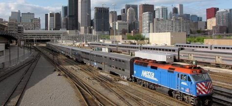 A Metra train leaves Downtown Chicago. The suburban rail division of the Regional Transportation Authority announced a fare increse of roughly 10 percent that will take effect as early as February. (Photo courtesy of Wikimedia Commons)