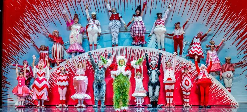 Colorful cast shines in 'Grinch' musical at Chicago Theater