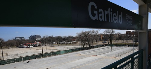 The proposed Obama library site backs up to the Garfield Green Line stop. Public transit has been a key component of all the library bids. (Terrence Antonio James/Chicago Tribune/MCT)