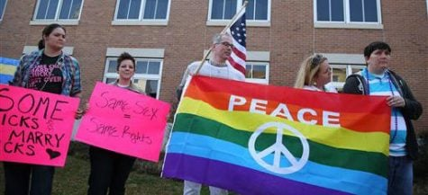 Gay marriage supporters rally in front of the probate court of Mobile, Alabama. (Sharon Steinmann | AP)