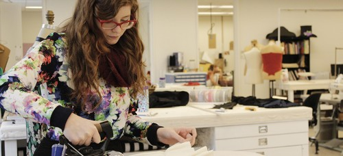 Margot Bardeen (top) practice costume making during Costume Tech II class. (Kirsten Onsgard / The DePaulia)