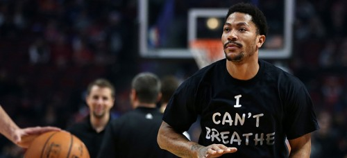 """Chicago Bulls point guard Derrick Rose wears an """"I can't breathe"""" shirt supporting Eric Garner, who was killed in July 2014 from a chokehold by a NYPD officer. (Chris Sweda / MCT Campus)"""