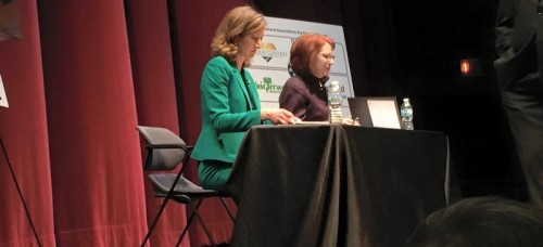 The 43rd Ward aldermanic debate between incumbent Ald. Michele Smith and challenger Caroline Vickrey was held at the Steppenwolf Theater on Monday. (Brenden Moore / The DePaulia)