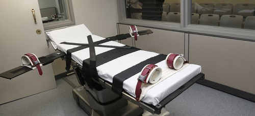 A gurney in the the execution chamber at the Oklahoma State Penitentiary. (AP Photo/Sue Ogrocki, File)