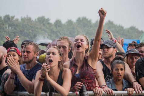 FILE-The crowd endures the rain during Lollapalooza 2014. (Courtney Jacquin / The DePaulia)