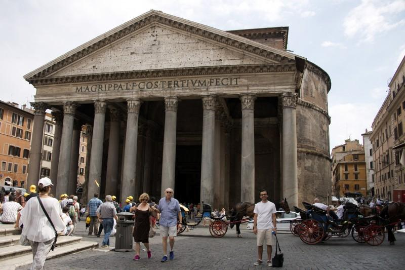 I had a chance to pose with the massive and ancient Pantheon. (Photo courtesy of LEE MCCULLOUGH)