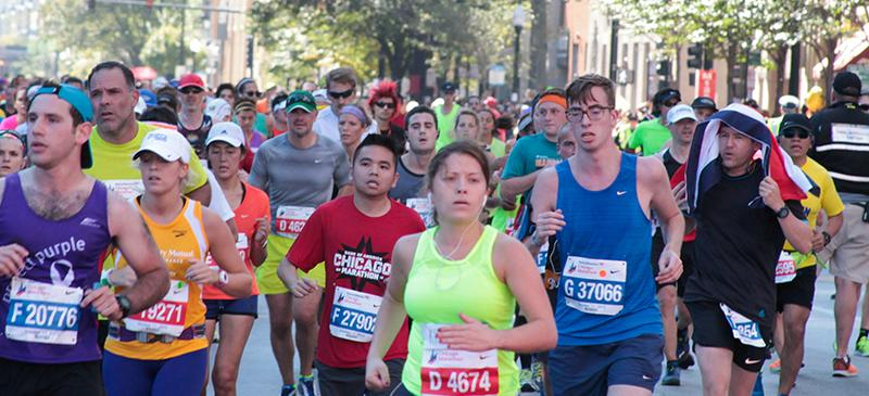 DePaul runner faces the heat during 2015 Chicago Marathon