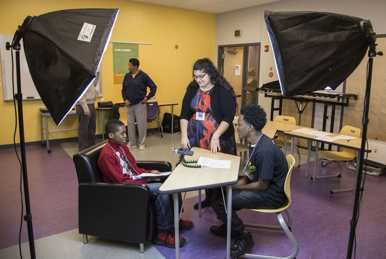 Yasmin Mitchel (pictured left) and Catrien Egbert (pictured right) interned for an oral history project about residents of the East Garfield Park neighborhood. (Jamie Moncrief / DePaul University)