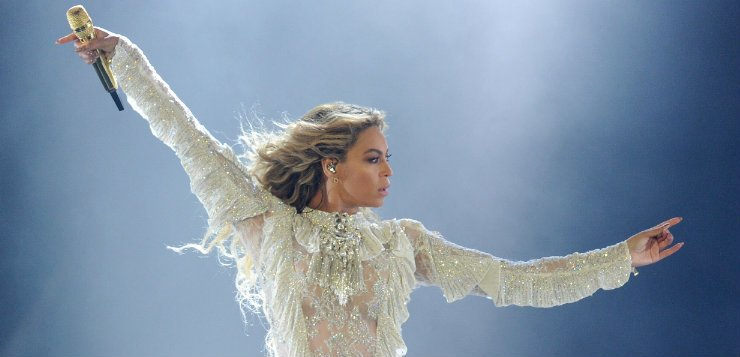 Beyoncé is blessing Chicago by bringing her world tour to Soldier Field this Friday