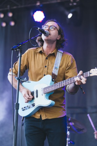 Martin Courtney delivered a mellow performance on Pitchfork's blue stage on Saturday. (Josh Leff | The DePaulia)