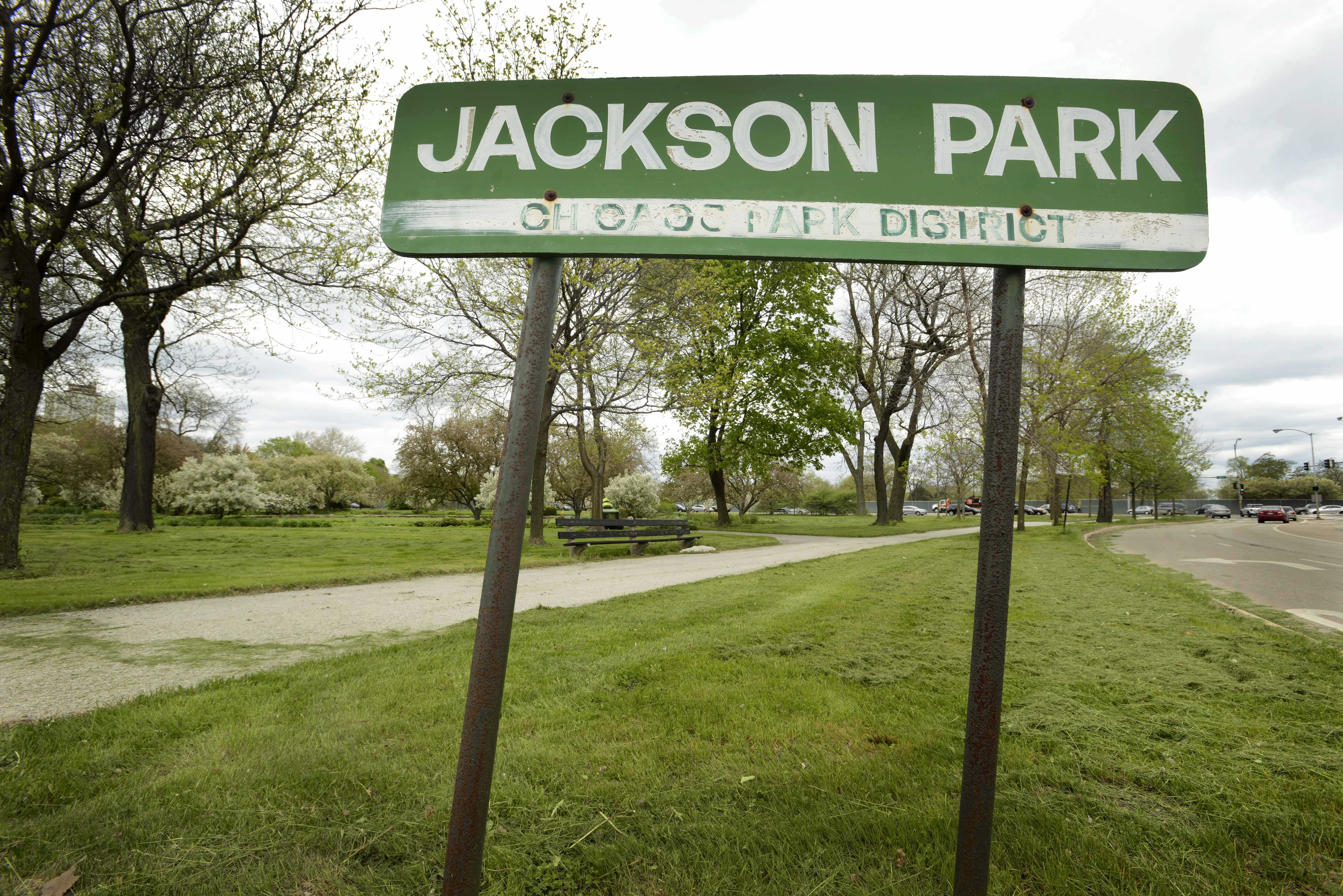President Barack Obama and first lady Michelle Obama have selected Jackson Park on Chicago's South Side to build President Obama's presidential library near the University of Chicago, where Obama once taught constitutional law.  (Paul Beaty | AP)