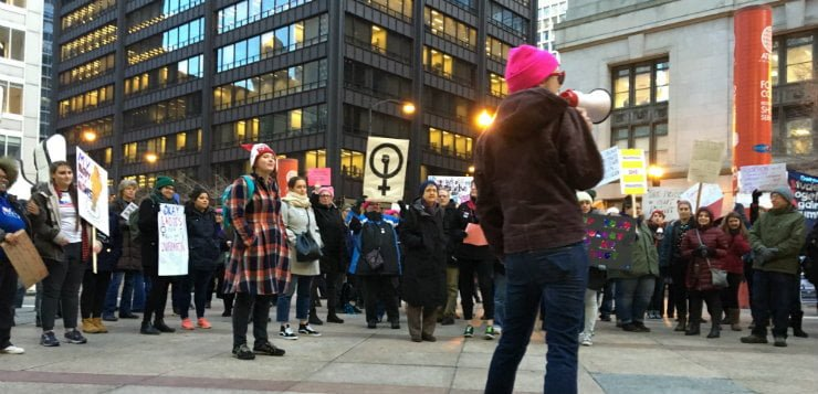 DePaul students rally for reproductive justice, pro-choice