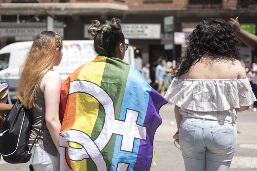 Highlights from Chicagos 48th Annual Pride Parade (Photos)