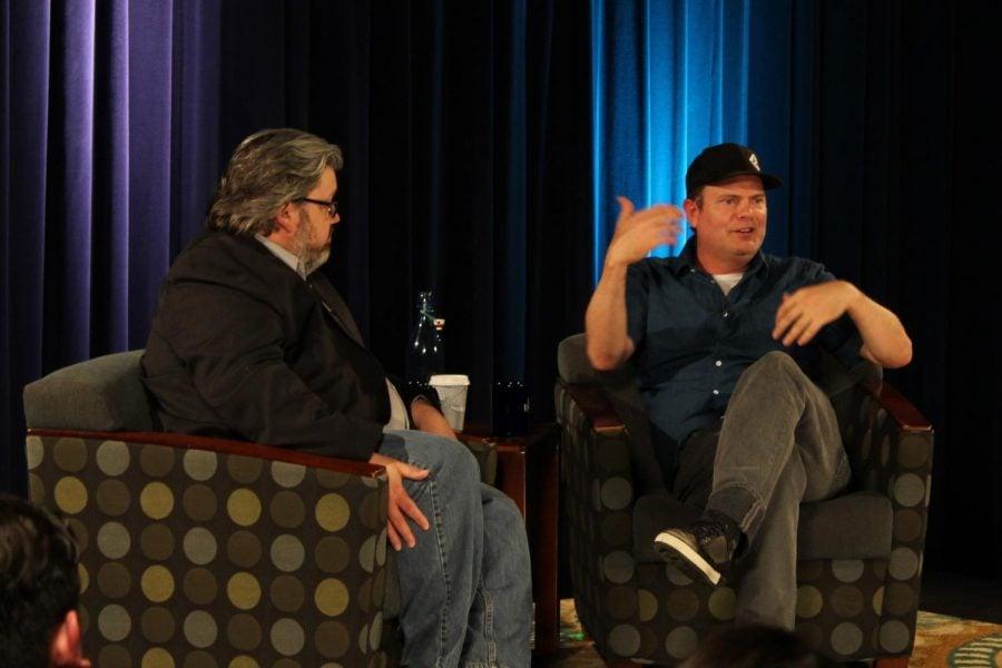 Moderator+and+professor+Chris+Parrish+interviews+Rainn+Wilson+as+part+of+the+Visiting+Artist+Series.