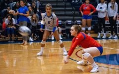 Volleyball goes winless in DePaul Invitational