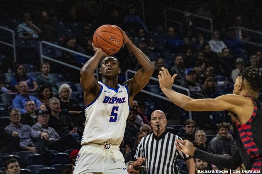 Jalen+Coleman-Lands+shoots+a+jumper+of+UIC+guard+Dominique+Matthews+during+DePaul%27s+win+on+Friday+night.+Richard+Bodee+%7C+The+DePaulia