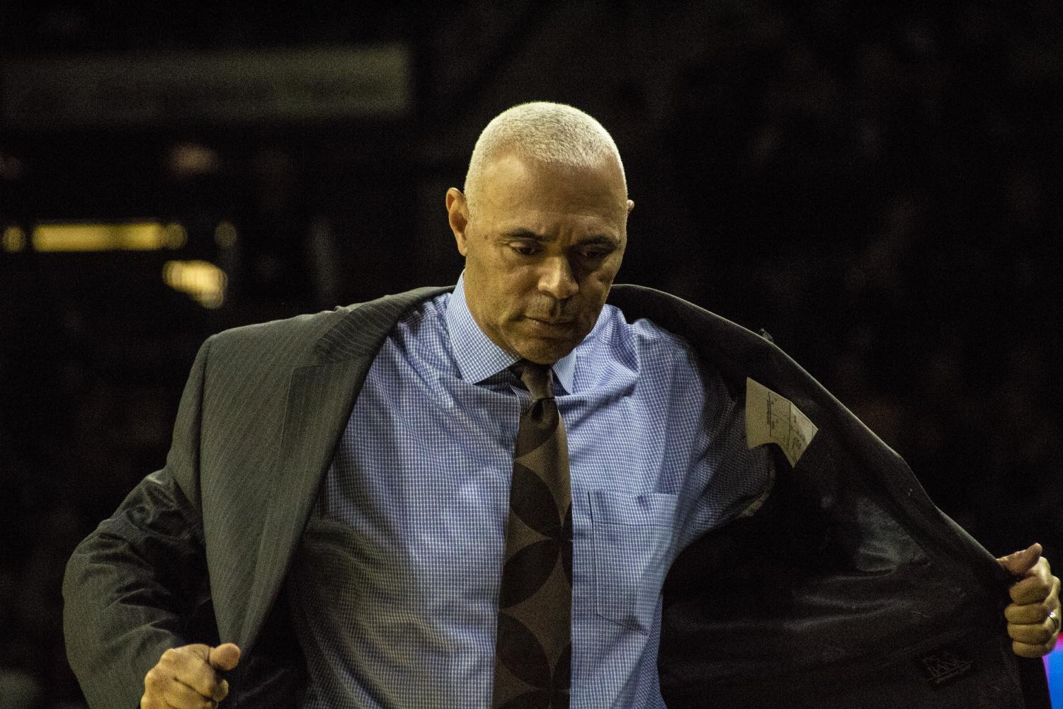 Head coach Dave Leitao and the DePaul Blue Demons have struggled to close out games this season. Richard Bodee I The DePaulia.