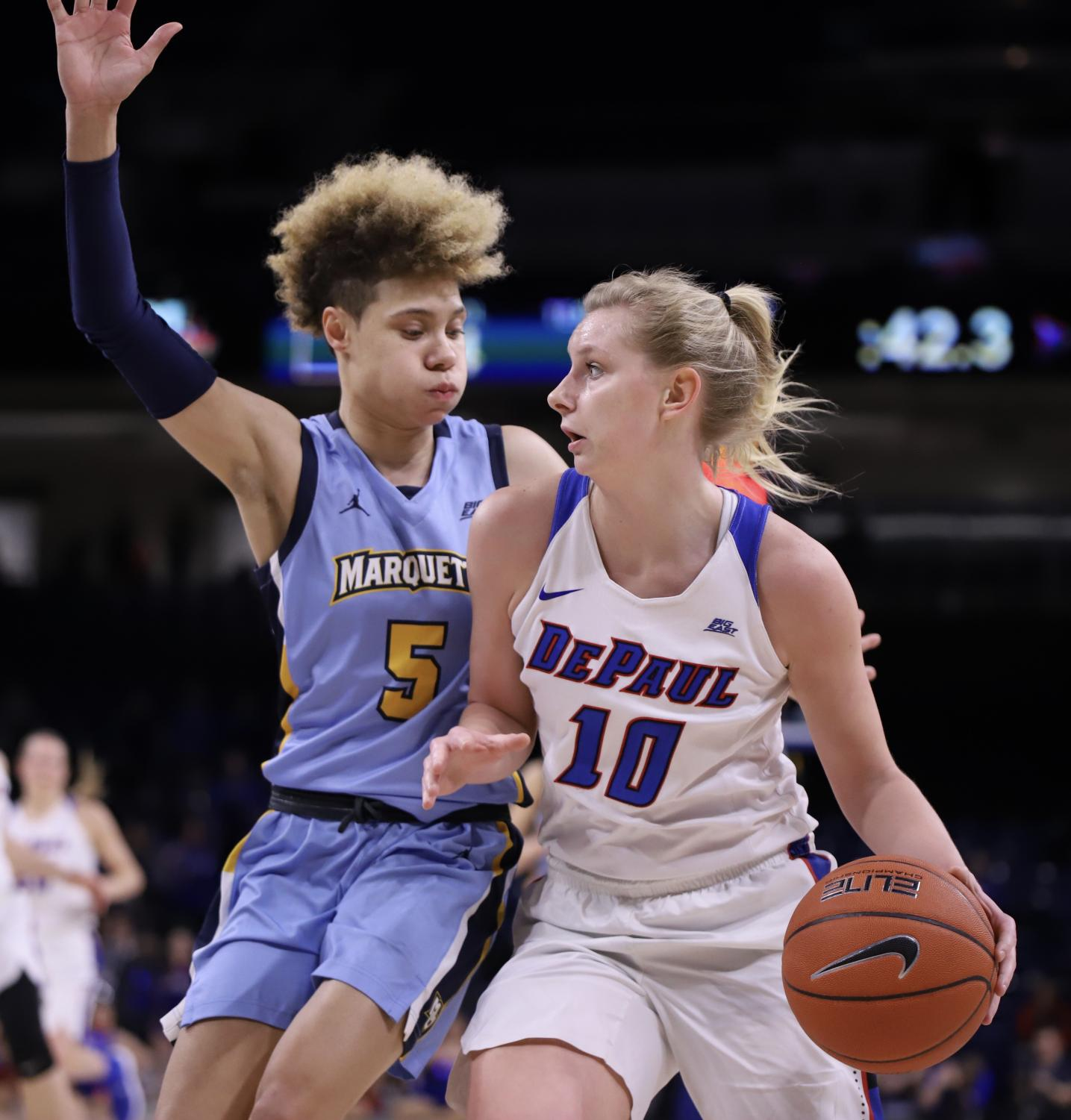 DePaul+freshman+guard+navigates+Marquette+senior+guard+Natisha+Hiedeman+Tuesday+night+at+Wintrust+Arena.+Held+finished+with+11+points+in+26+minutes+of+action.++Alexa+Sandler+%7C+The+DePaulia