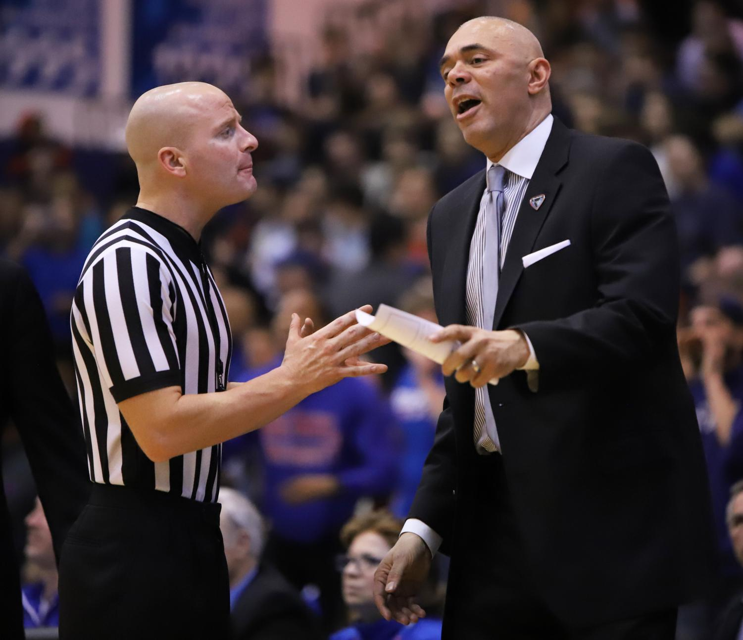 DePaul+head+coach+Dave+Leitao+talks+with+an+official+during+game+two+of+the+CBI+finals+Wednesday+night+at+McGrath-Phillips+Arena.+The+Blue+Demons+won+the+game+in+overtime+100-96.+Alexa+Sandler+%7C+The+DePaulia