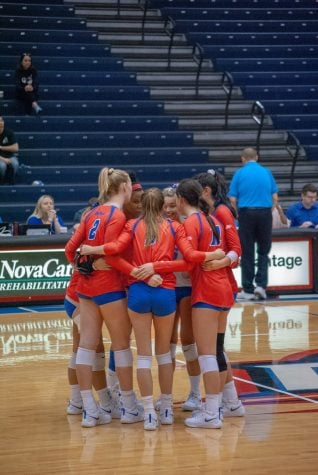 DePaul volleyball looks to rebound from disappointing season