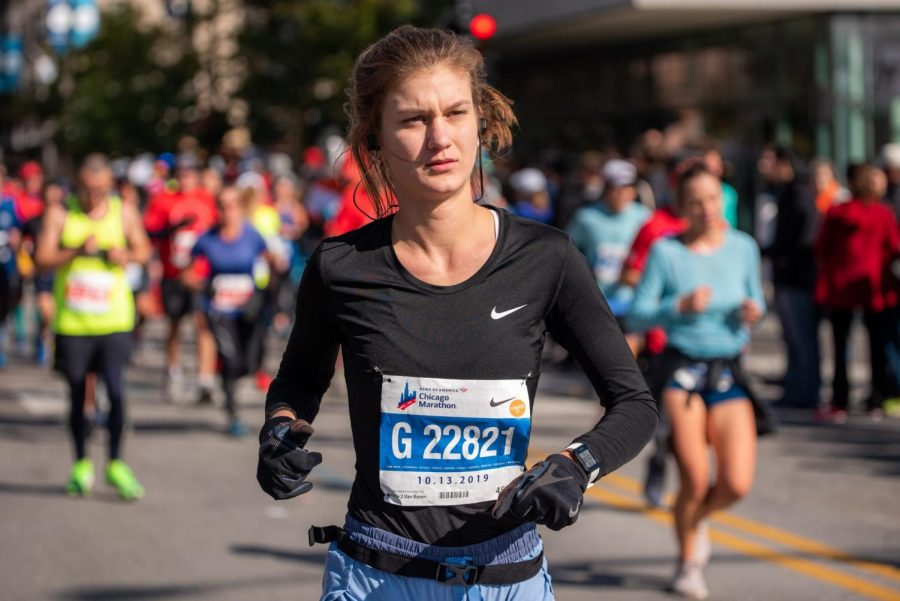 DePaul+junior+Ivy+Witczak+runs+the+42nd+edition+of+the+Chicago+Marathon+on+Sunday.+Witczak%2C+a+Norwood+Park%2C+Chicago+native%2C++ran+the+Marathon+in+a+time+of+03%3A55%3A12.+