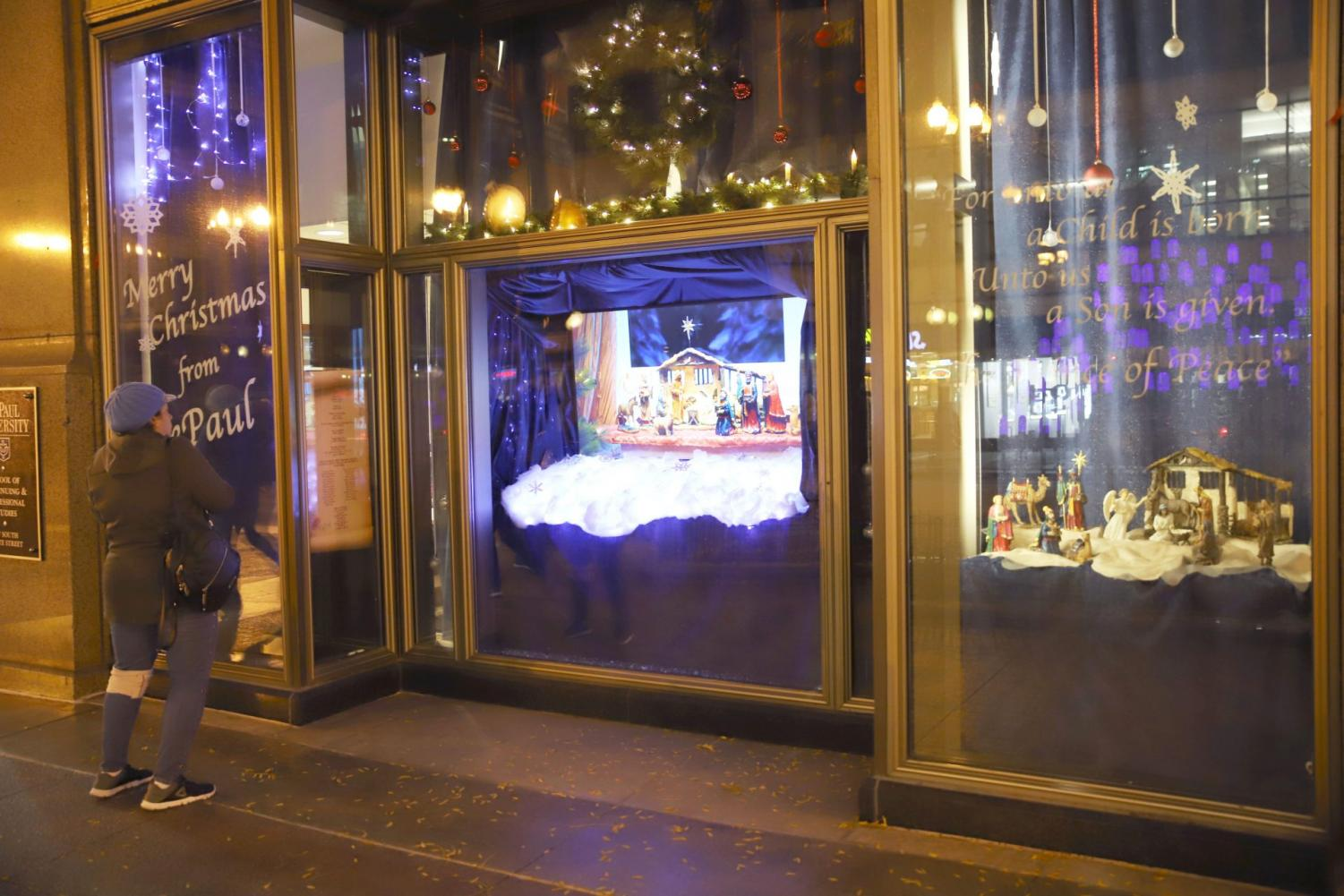 Students and faculty from the School of Cinematic Arts put together a short 3-D. stop-motion film that will be displayed on State Street throughout the holidays.