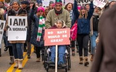 Comunidad Latinx Enfrenta 'Falta de Representación' en la Marcha de Mujeres 2020