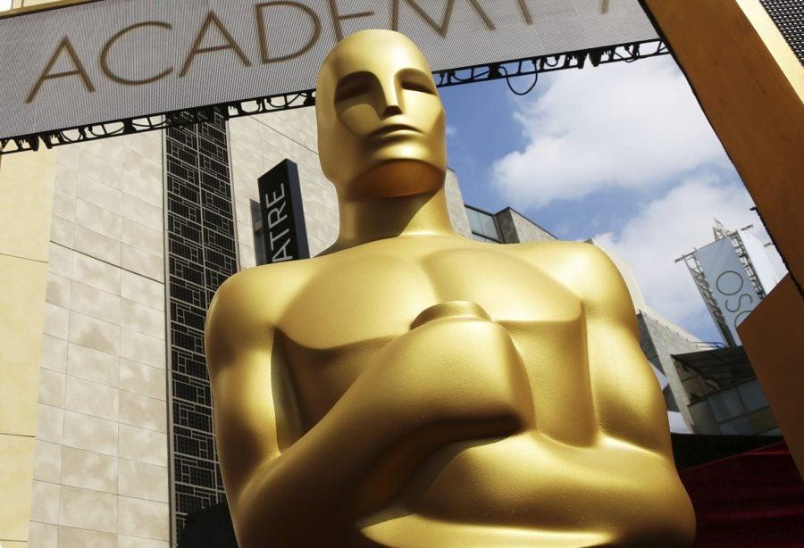 Aparece+una+estatua+de+Oscar+en+frente+del+Dolby+Theatre+para+los+87+Premios+de+la+Academia+en+Los+%C3%81ngeles.