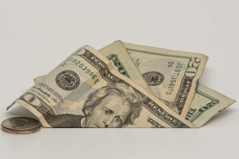 Nuevo Aumento del Salario Mínimo Afecta Bienes de Consumidores