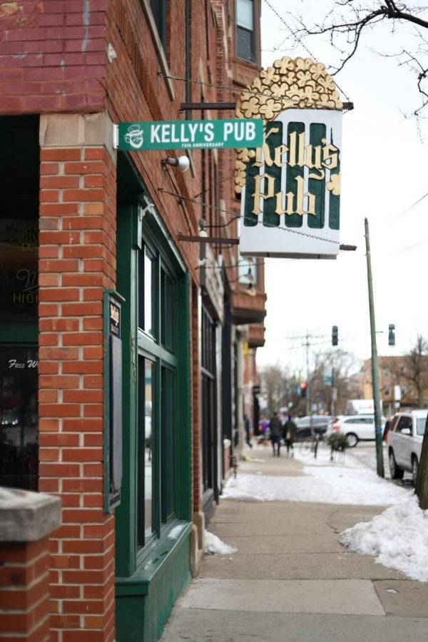 Kelly's Pub in Lincoln Park.