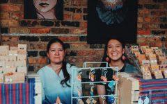 Madre e hija lanzan negocio de joyería para mantener vivas las tradiciones mexicanas