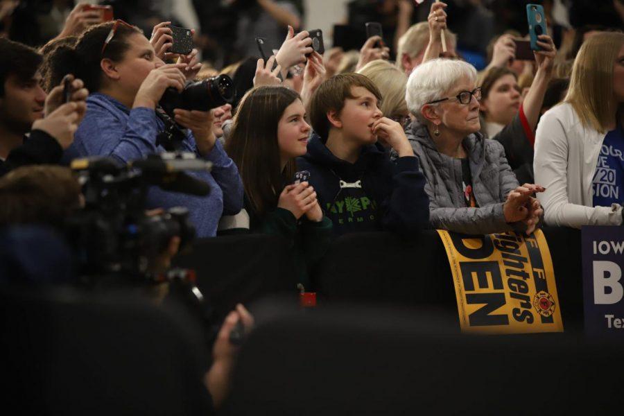 Supporters+of+Joe+Biden+listen+as+he+speaks+in+Des+Moines.