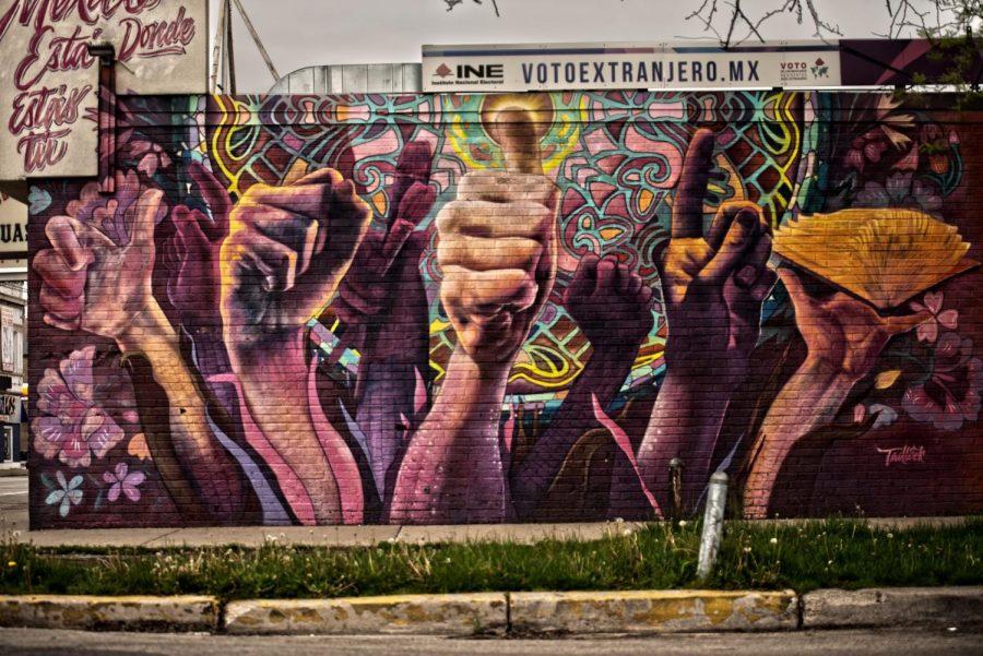 Uno de los murales pintados en La Villita.