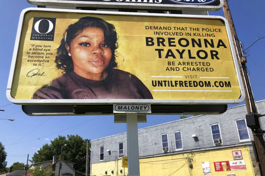 A+billboard+sponsored+by+O%2C+The+Oprah+Magazine%2C+is+on+display+with+with+a+photo+of+Breonna+Taylor%2C+Friday%2C+Aug.+7%2C+2020+in+Louisville%2C+KY.+Twenty-six+billboards+are+going+up+across+Louisville%2C+demanding+that+the+police+officers+involved+in+Taylor%27s+death+be+arrested+and+charged.++Taylor+was+shot+multiple+times+March+13+when+police+officers+burst+into+her+Louisville+apartment+using+a+no-knock+warrant+during+a+narcotics+investigation.+No+drugs+were+found.+%28AP+Photo%2FDylan+T.+Lovan%29