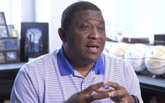 El subdirector de atletismo de Kentucky, DeWayne Peevy.