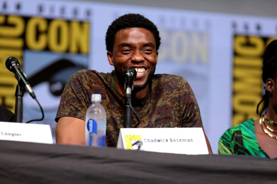 """hadwick Boseman speaking at the 2017 San Diego Comic-Con International, for """"Black Panther"""", at the San Diego Convention."""