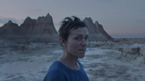 Still of Frances McDormand in Chloe Zhao