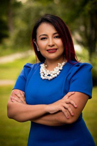 Dagmara Avelar es una inmigrante ecuatoriana que se postula para representar al Distrito 85 en la Cámara de Representantes de Illinois. Ganó en las elecciones generales del 3 de noviembre de 2020.