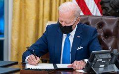 El Presidente Biden firmo ordenes ejecutivas sobre la inmigración en el principio de Febrero en la Casa Blanca.