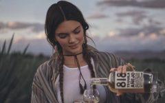 Kendall Jenner recién lanzo su marca de tequila  818.